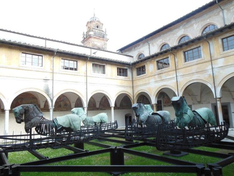 Installazione allestita nel Chiostro di S.Agostino